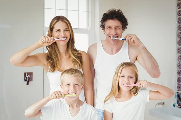 How A Family Dentist Can Help Keep Your Gums Healthy