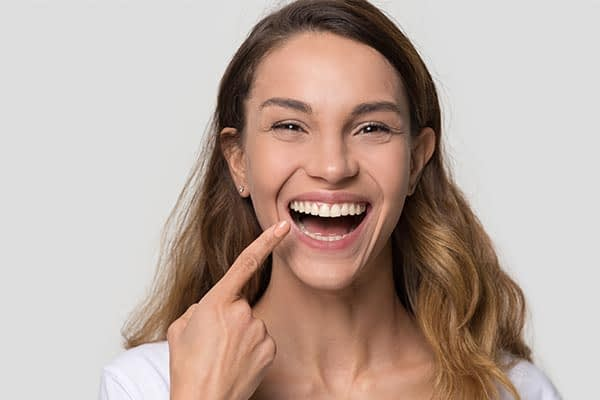 How A Cosmetic Dentist Can Correct Minor Issues