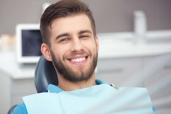 A Cosmetic Dentist Explains Different Treatment Options