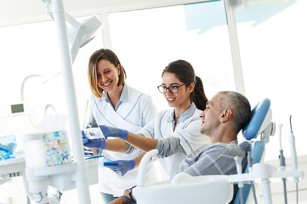 Important Things To Know About Getting Dental Imlplants For Missing Teeth